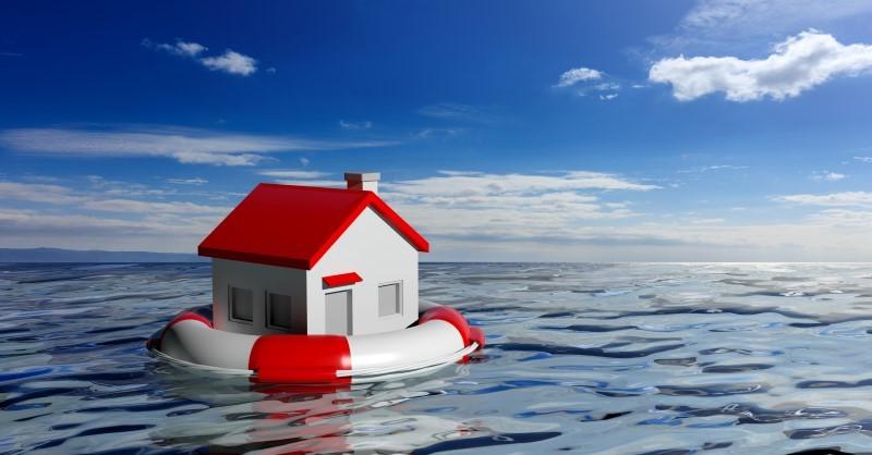 PODPOJIŠTĚNÍ Skrytá hrozba, když dojde ke škodě na majetku Vichřice, požár, povodně nebo prasklé topení. To jsou běžná rizika, která ohrožují nemovitosti adomácnosti. Pak je tu ale další hrozba, která se projeví, až když ke škodě dojde. Je to podpojištění. Kvůli němu